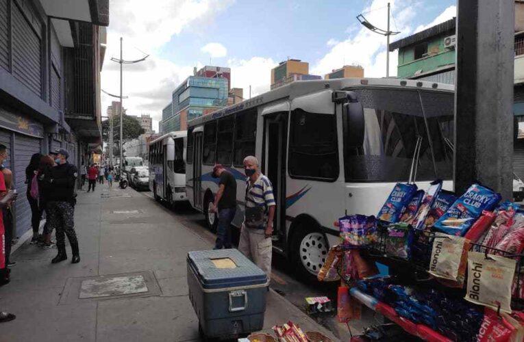 Choferes de la Caracas-La Guaira se niegan a entrar al terminal La Zorra
