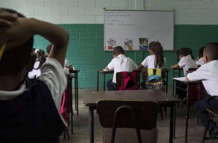 Maduro anuncia regreso a clases presenciales en octubre