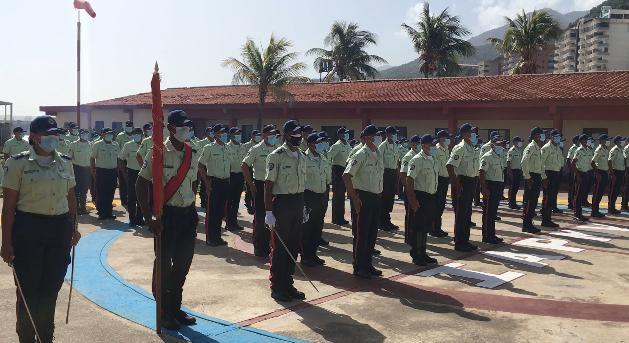 Fueron ascendidos 76 oficiales de la Policía Municipal