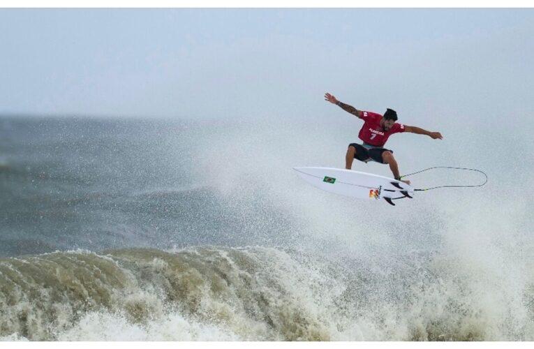 Italo Ferreira pasó de surfear en la tapa de una cava a ganar oro olímpico