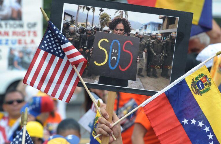 Expeloteros venezolanos piden a senadores apoyar a migrantes con TPS