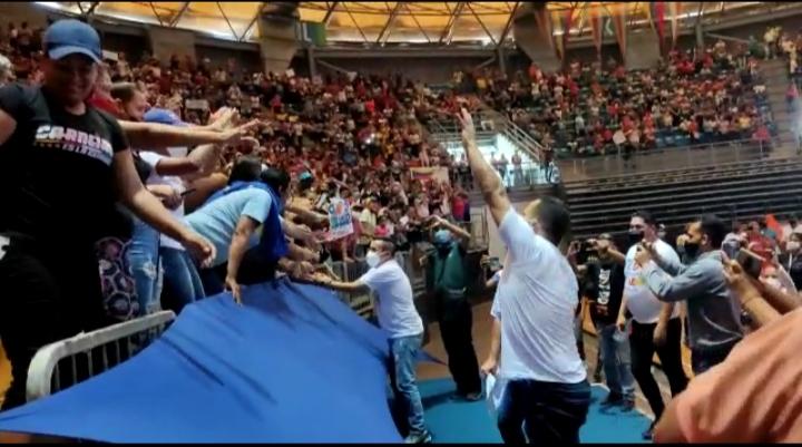 Candidatos revolucionarios se reunieron con los Clap en el Polideportivo