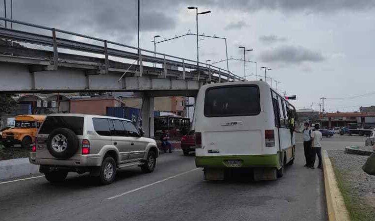 Gasoil ligado con agua causó daños a 14 buses