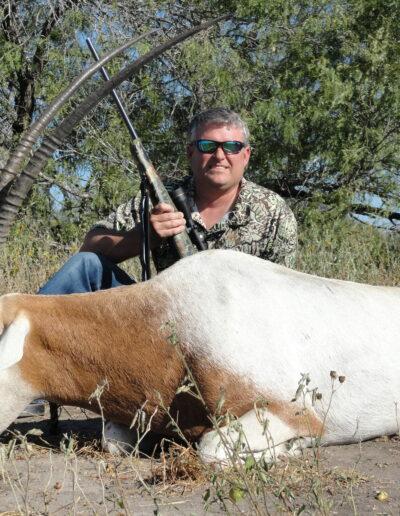Scimitar Horned Oryx Hunt