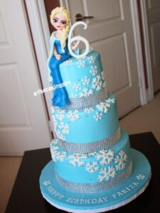 beautiful frozen elsa figurine edible 3 tier cake