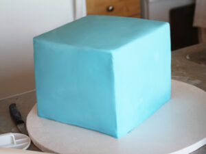 how to make a cube fondant cake