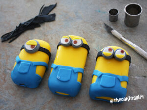 how to make minion cake toppers gumpaste