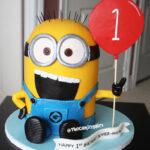 3d sculpted despicable me minion cake
