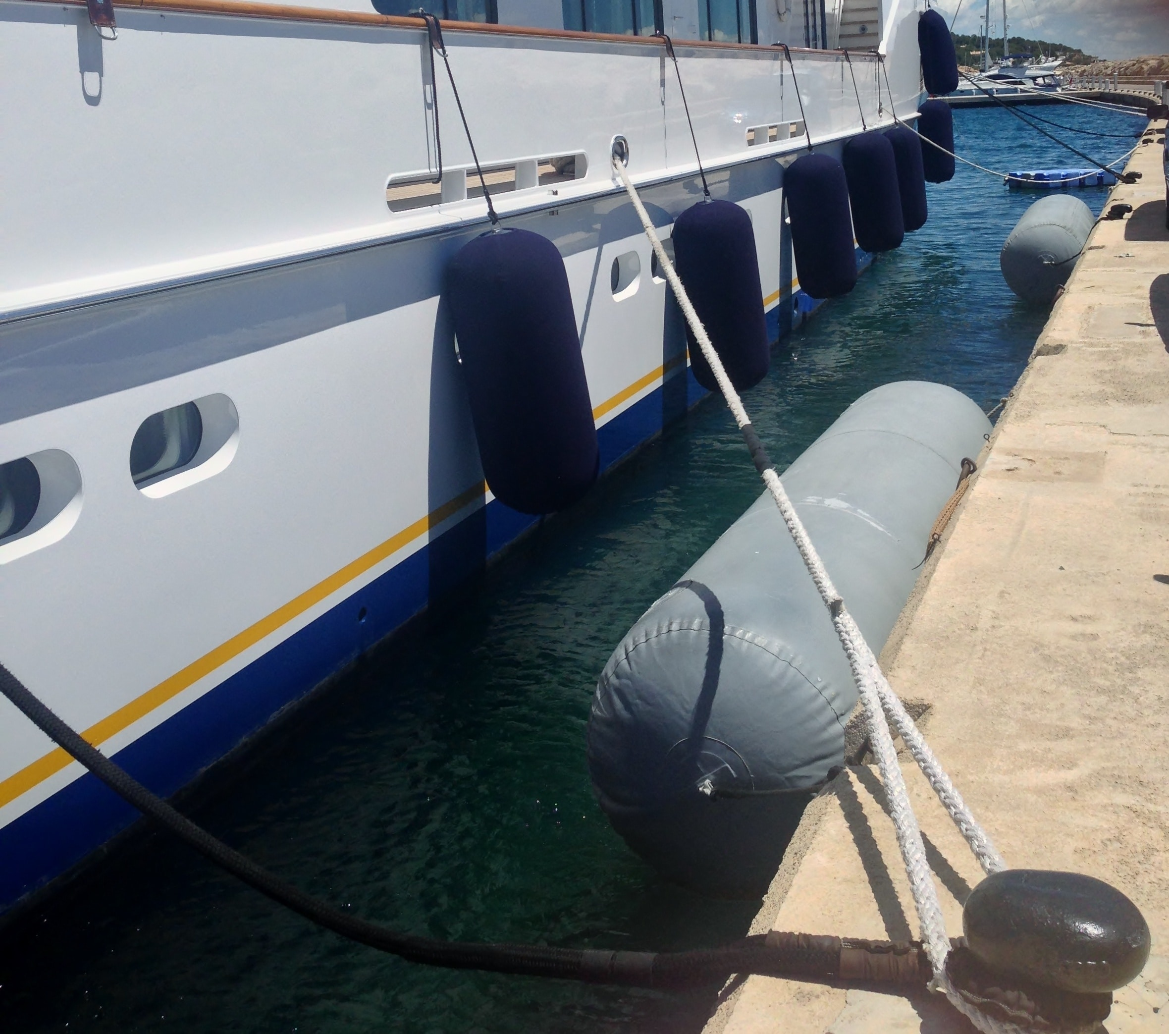Docking Your Mega Yacht at Boathouse Yacht Facility in Fort Lauderdale FL