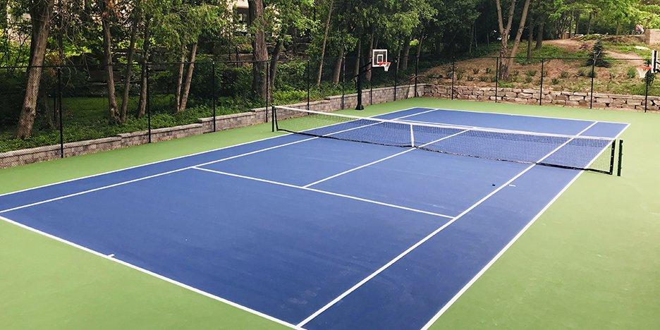 hard tennis court