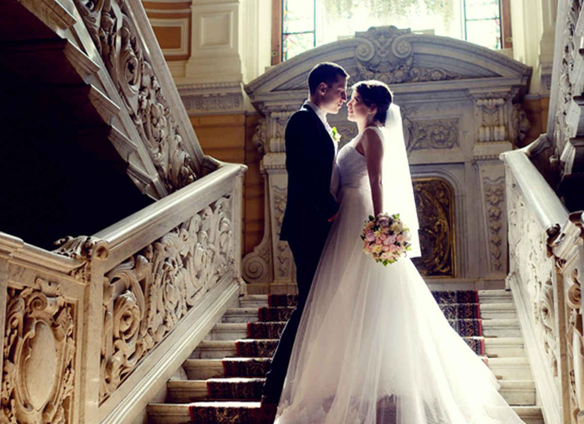 Today's Marriage Prayer – To Be a Light In This Dark World