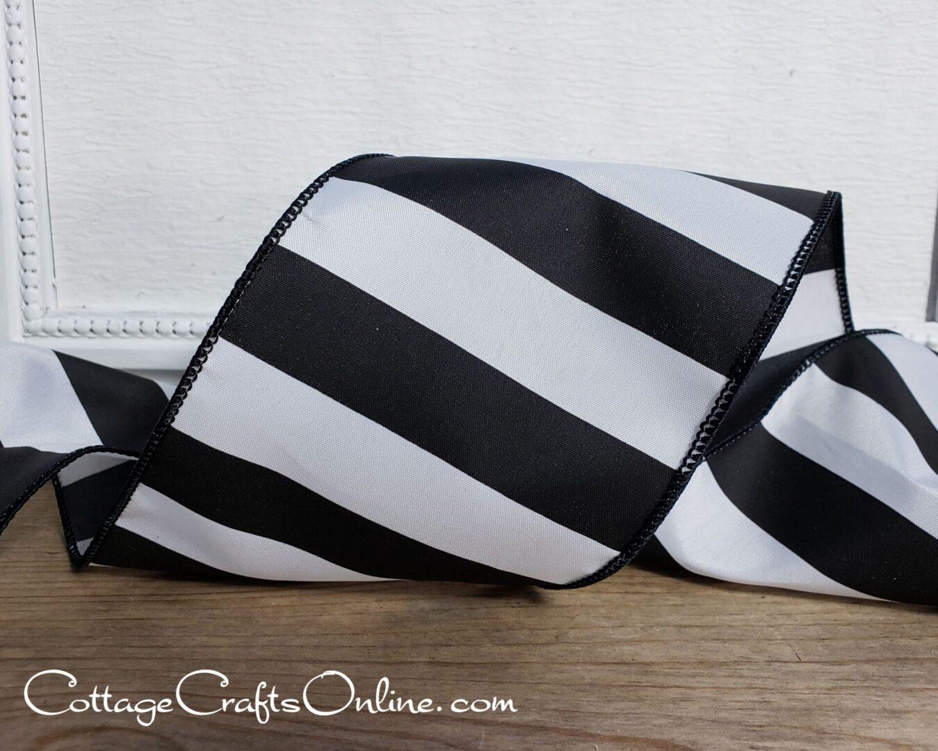 black white wide stripe 4 100 cb-010