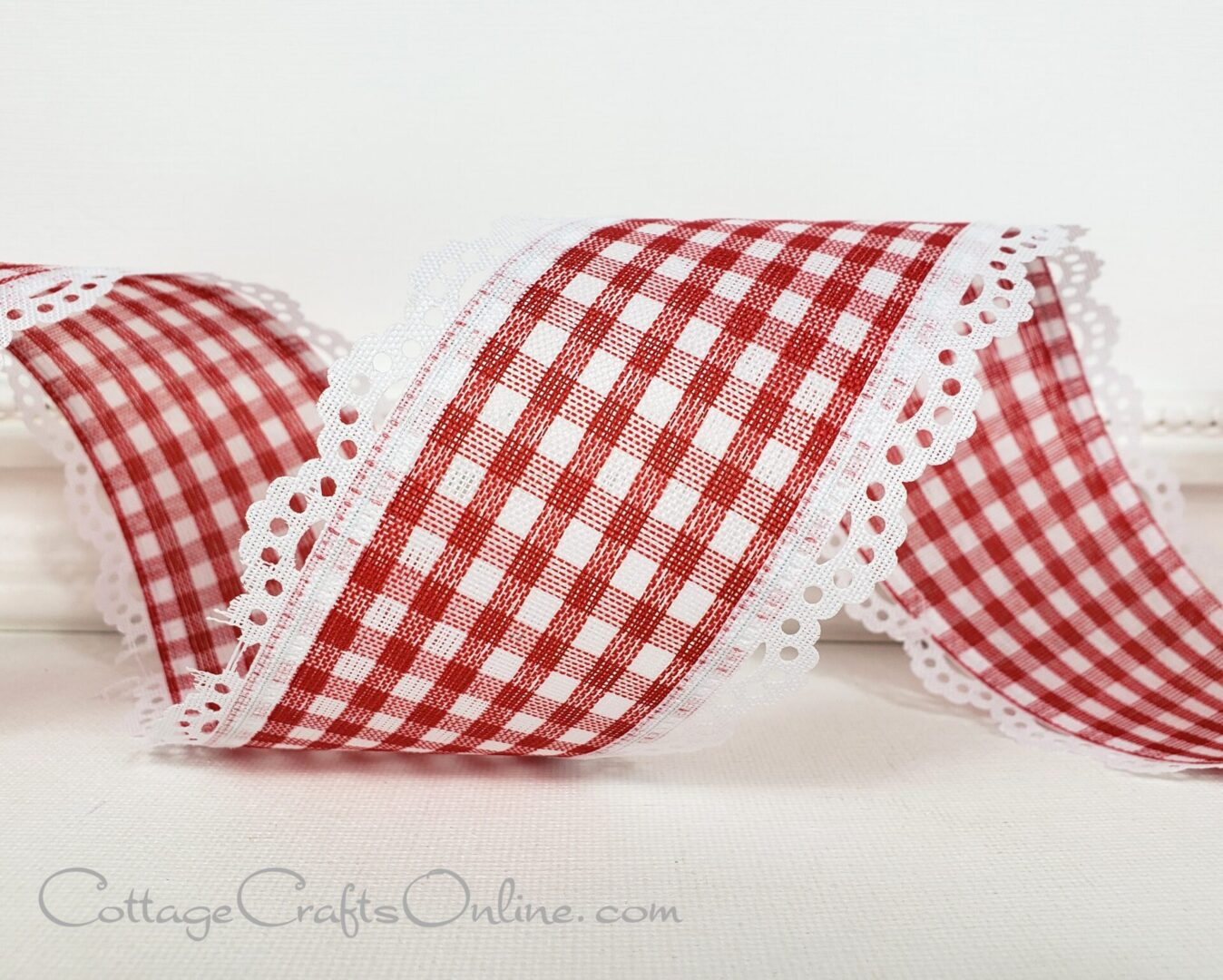 red scallop edged gingham cb 40-003