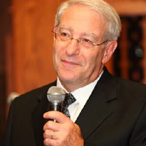 JLearn instructor, Rabbi Joseph Klein