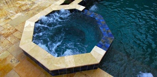 ENJOY THE BENEFITS OF OUTDOOR HOT TUBS AND SPAS IN YOUR OWN BACKYARD