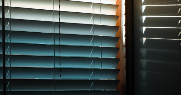 Which Businesses Can Benefits From Commercial Motorized Shades?