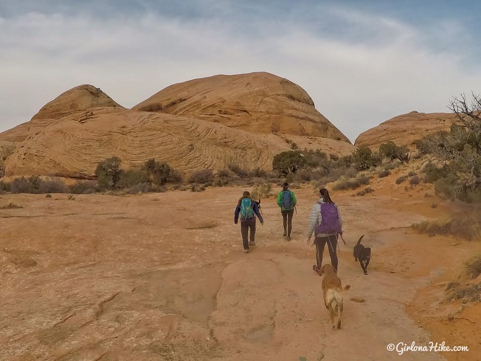 Hiking to Long Bow Arch, Moab