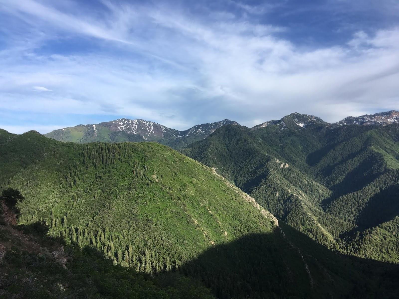 Hiking to Grandeur Peak