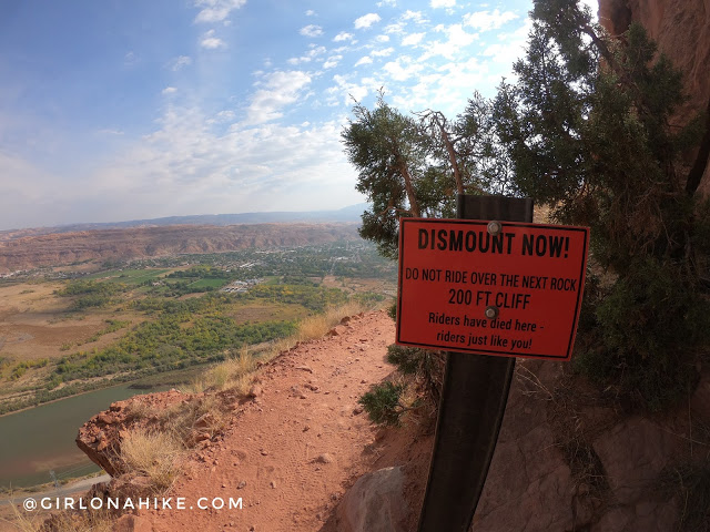 Hiking to the Portal Overlook, Moab