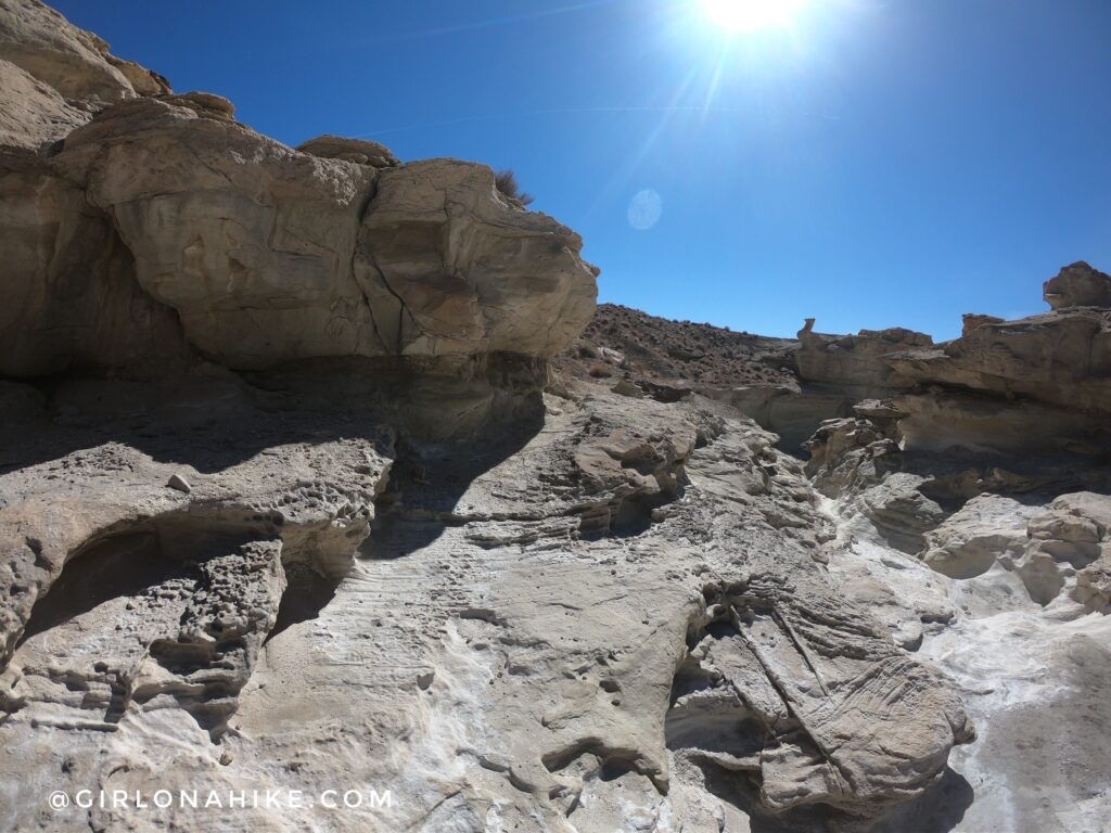 Hiking to Wiregrass Canyon Arch, Lake Powell