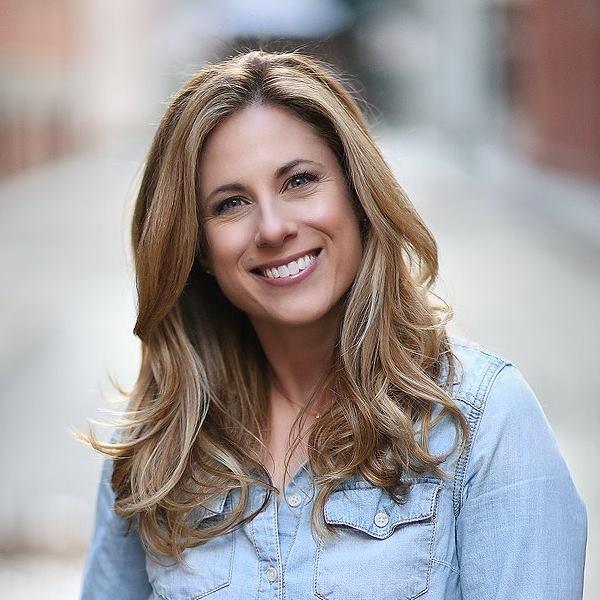 Liz Samuel, Actress in Momtress