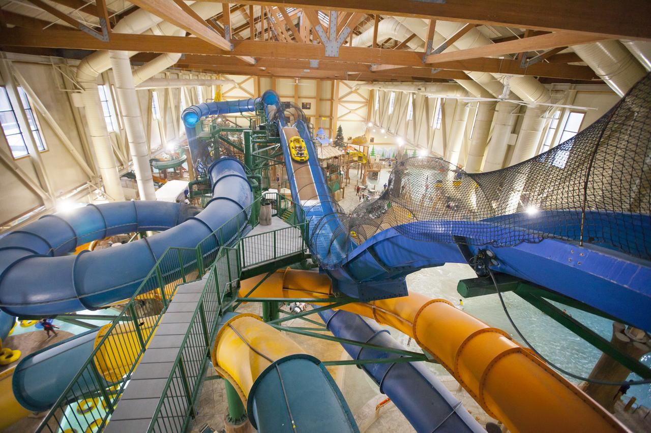 Great Wolf Lodge Reopens in Poconos