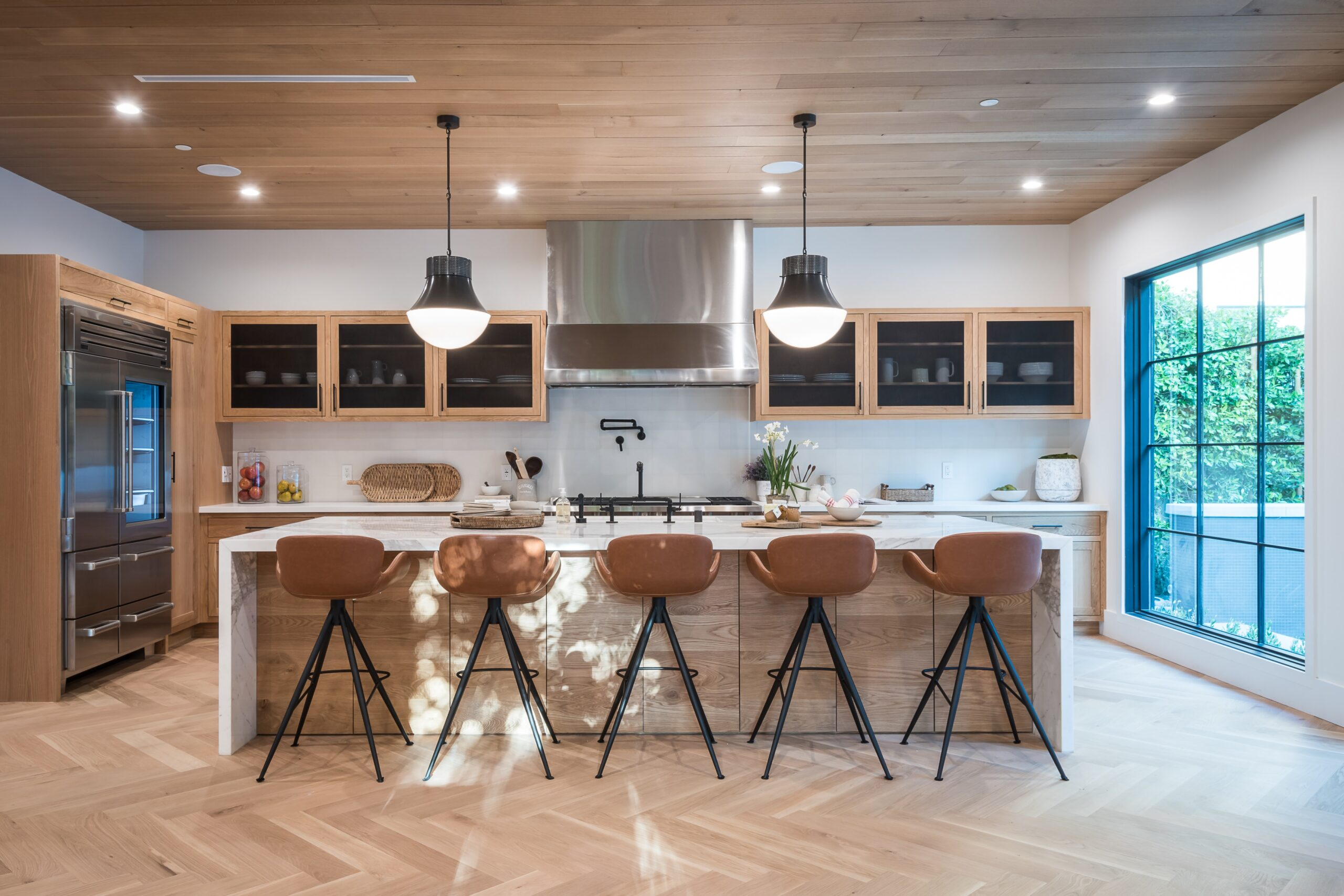 Make Your Kitchen More Luxurious With These Ideas