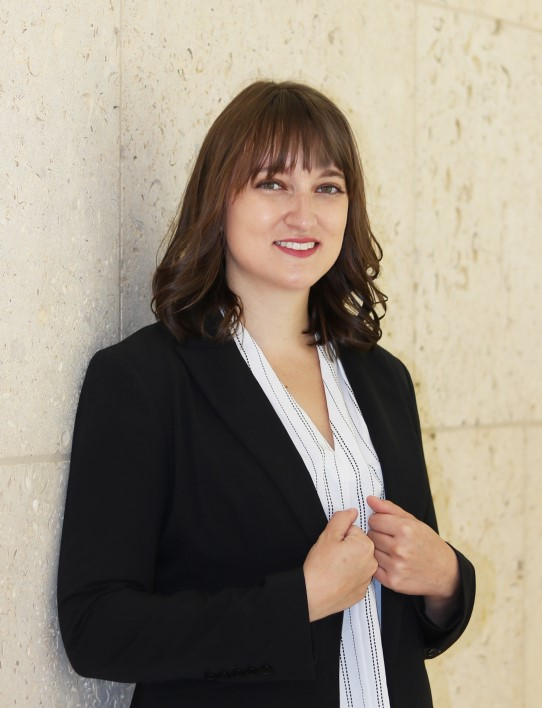 Elyse Mowle, editor