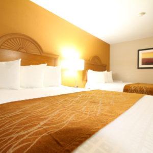 Westbridge Inn & Suites in Clinton Mo