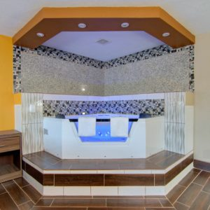 Jacuzzi room at Westbridge inn and suites in clinton mo