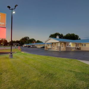 Pet friendly hotel in clinton mo - westbridge inn and suites