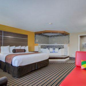 Suites at Westrbidge inn and suites in clinton mo