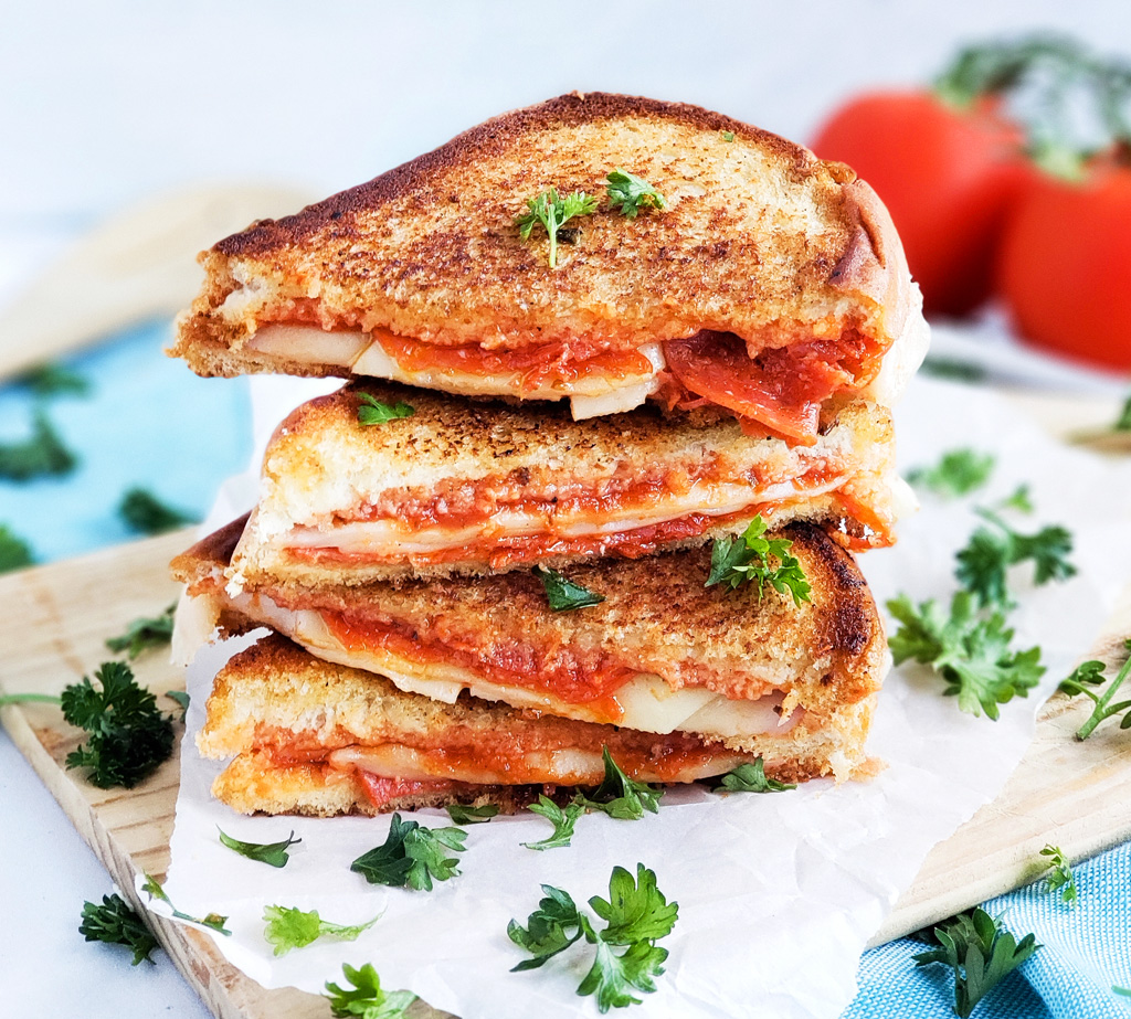 Cheesy Pepperoni Pizza Grilled Cheese Sandwich