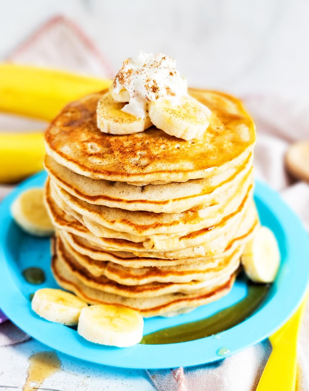 Fluffy Banana Cinnamon Pancakes