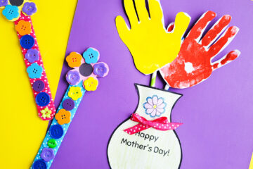 DIY Mother's Day Gift Ideas: Hand Flower Arrangement & Flower Buttons Bookmark littleeatsandthings.com