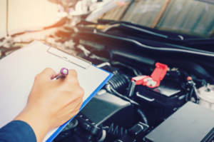 transmission-maintenance-check-technician
