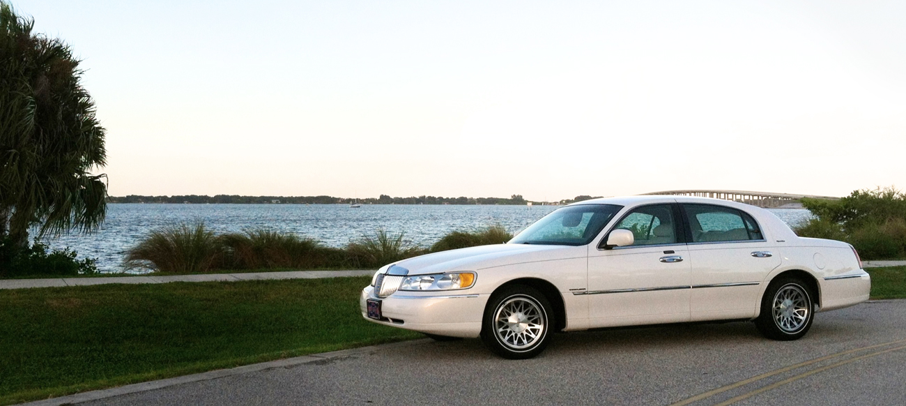 Ashley Executive Town Car Services. Town car, taxi service, limo service and chauffeured transportation
