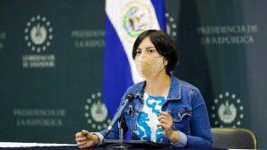 Ministerio de Cultura compró 17 espejos con sobreprecio de $852