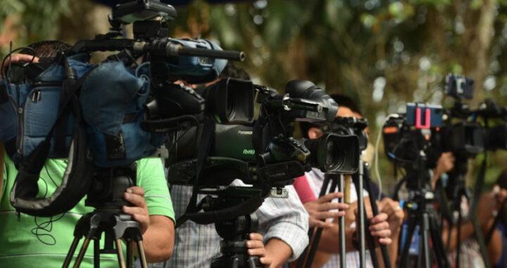APES alerta ante la comunidad internacional sobre persecución a periodistas por parte del oficialismo