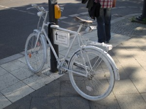 Berlin_ghostbike