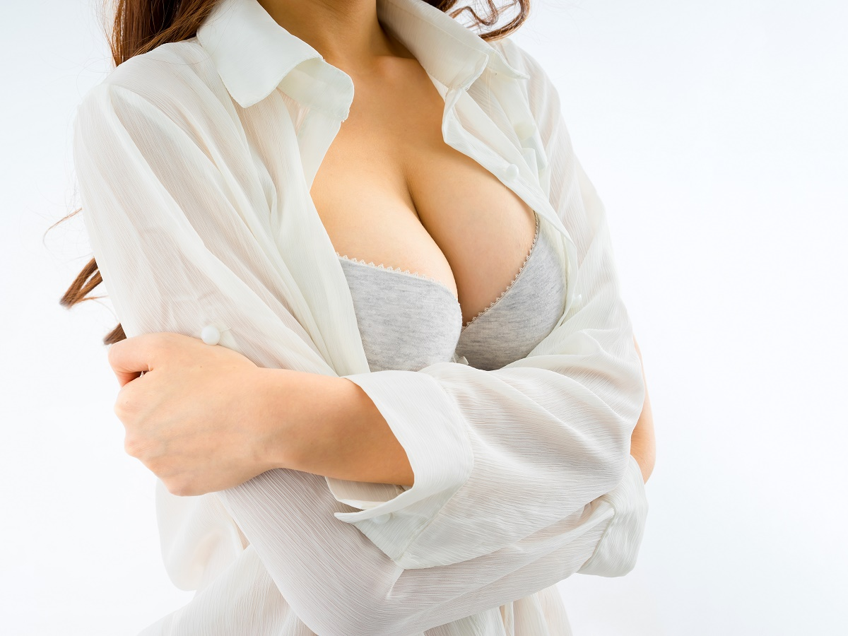 3 Signs You Might Benefit From Breast Lift