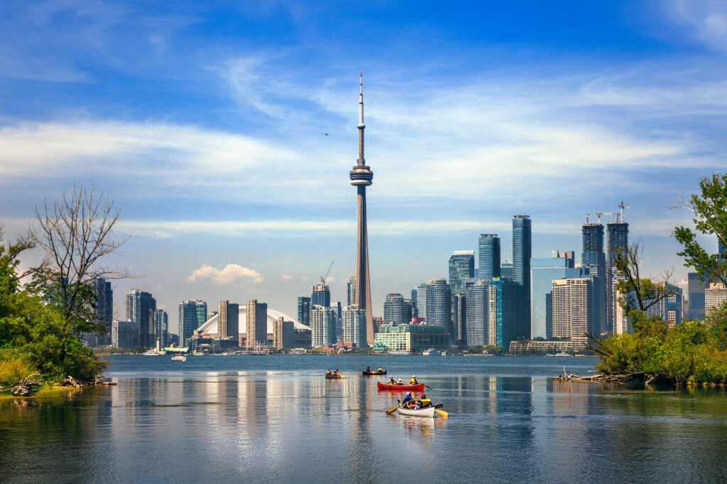 CN-Tower_GettyImages-615764386