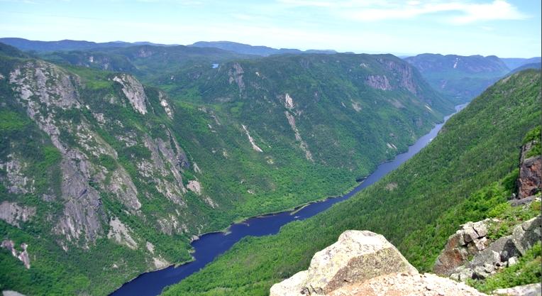 Parc-national-des-Hautes-Gorges-de-la-Rivière-Malbaie-2