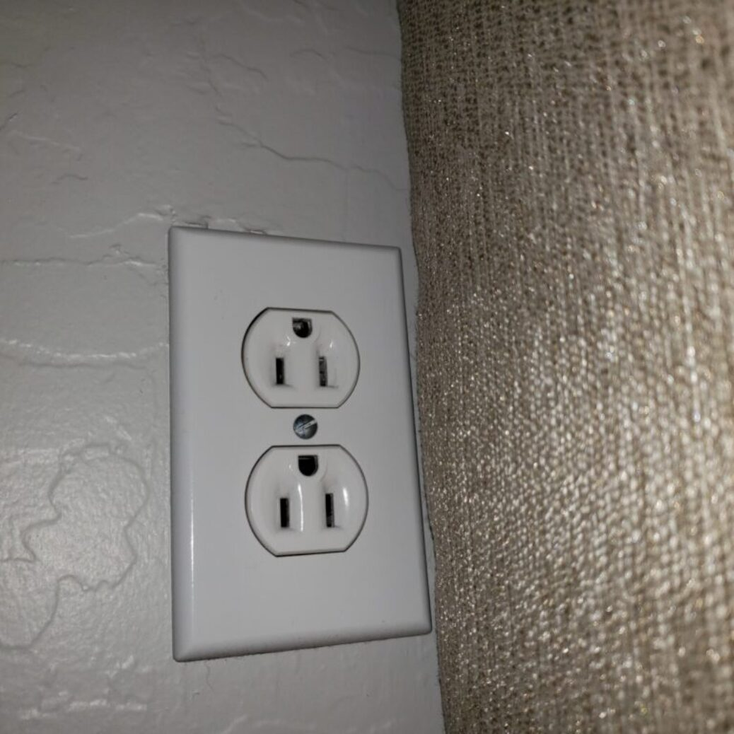 upside down outlet