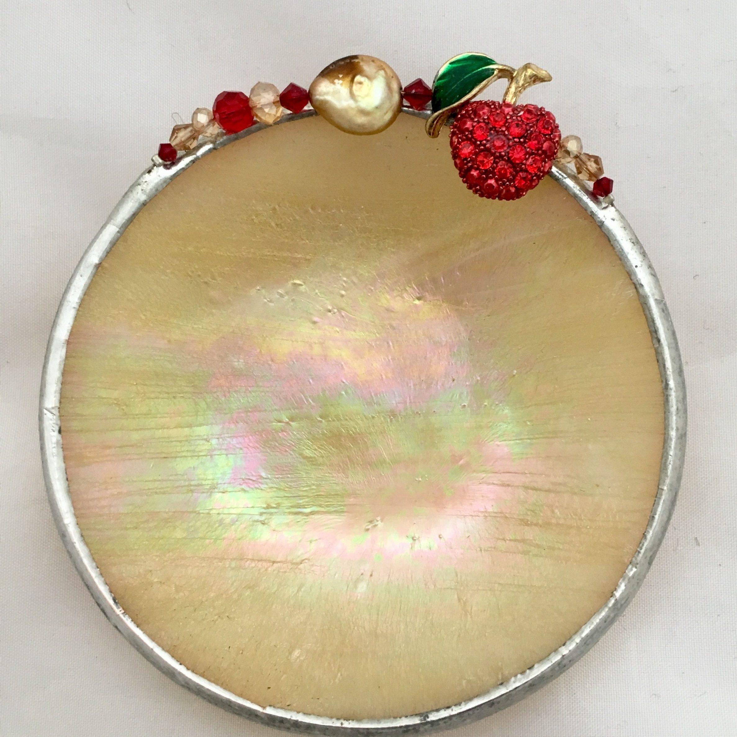 Cream iridescent apple