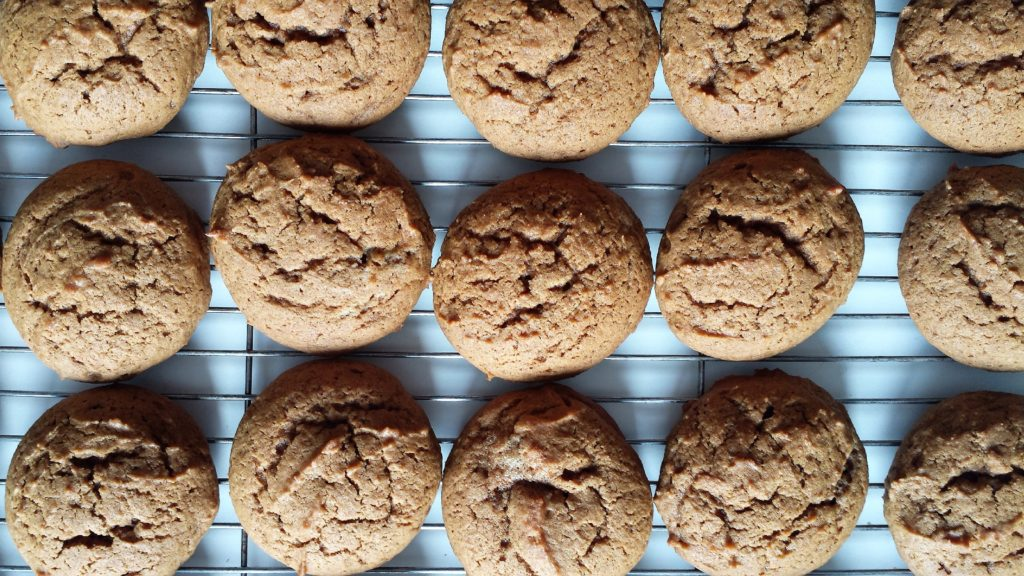 cookies, dessert, molasses, ginger, cinnamon, cookie, soft, chewy, newfoundland