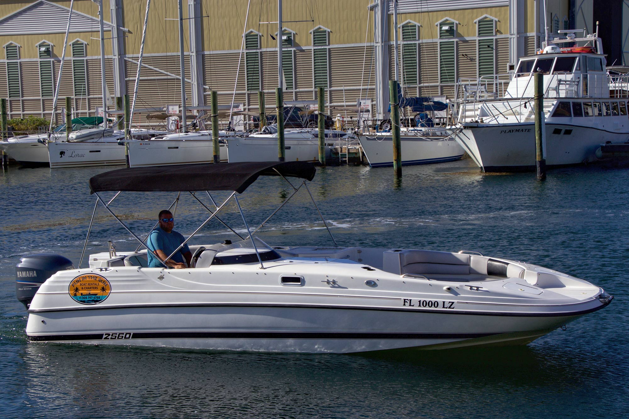 26 foot Deck Boat powered by a 225 horse power Yamaha four stroke