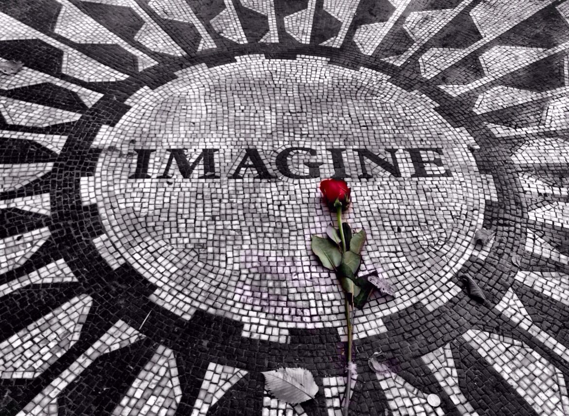 """""""Across the Universe"""": the Legacy of Lennon 40 years After His Death"""