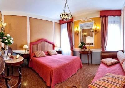 Hotel Arlecchino room -Venice