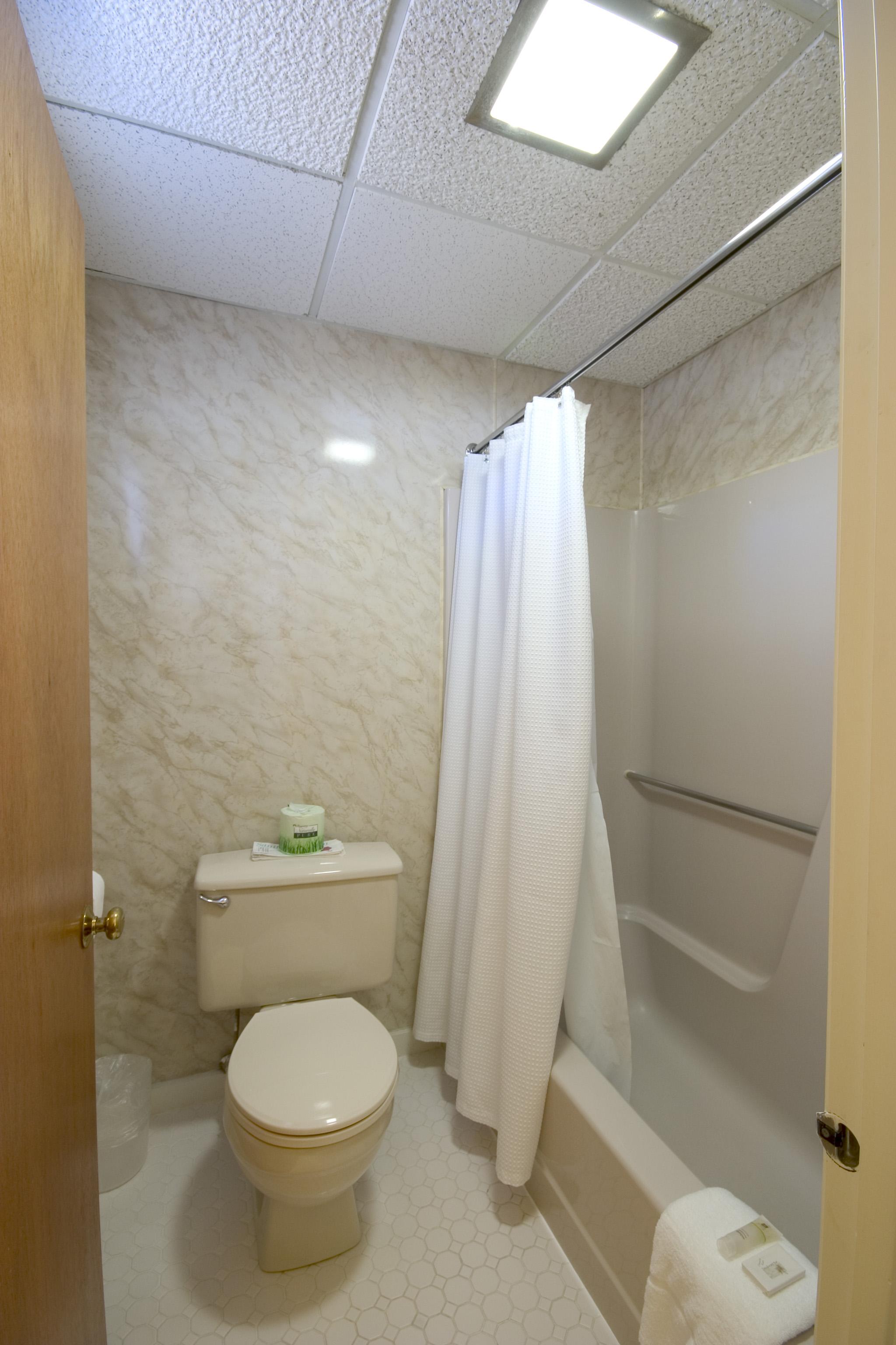 Town Motel - Bathroom